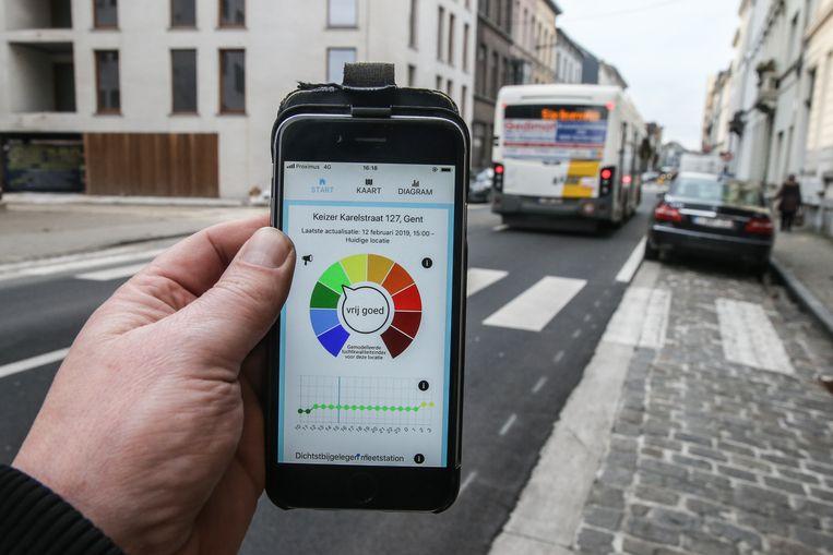 De BelAir-app meet de luchtkwaliteit in de Gentse Keizer Karelstraat.