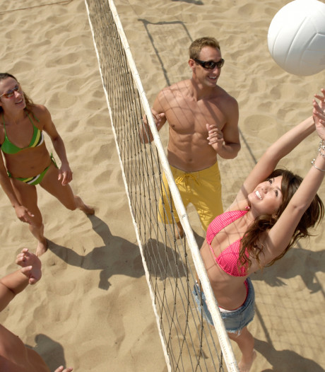 Bekende beachvolleybalsters bij opening beachcenter De Liemers