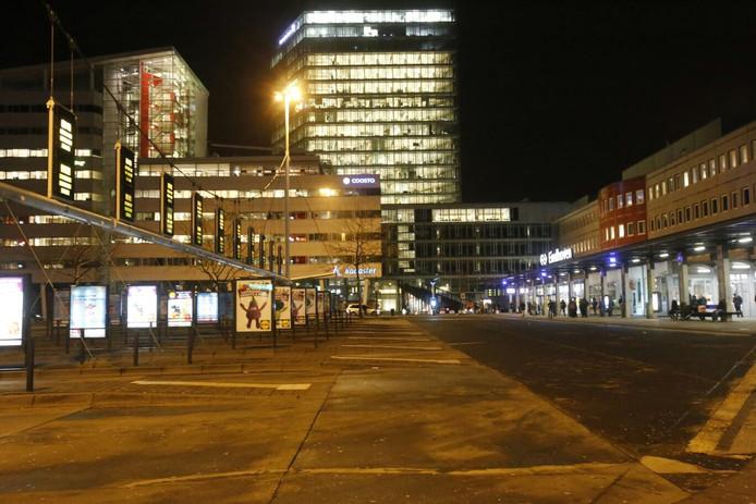 Leeg busstation Neckerspoel als gevolg van de staking.