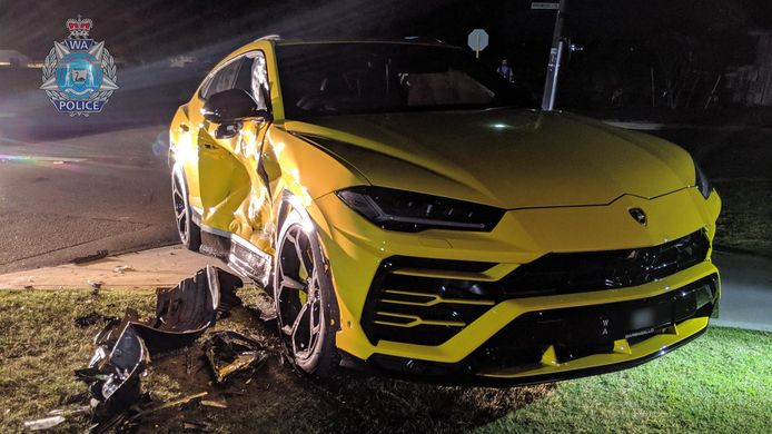 De schade aan de Lamborghini Urus is enorm
