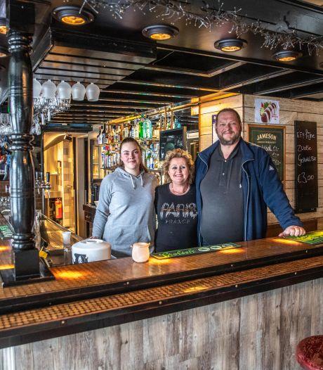 PEC Zwolle-café De Pierik houdt deuren dicht voor eerste thuiswedstrijd uit vrees voor coronasluiting