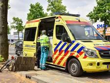 Fietsster gewond bij botsing met auto in Tilburg