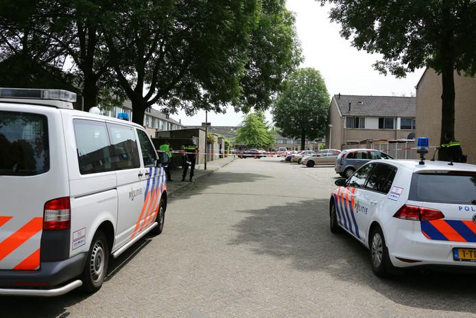 De politie heeft het gebied afgezet en doet onderzoek.