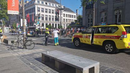 Drie gewonden bij steekpartij op Antwerpse Meir: drie verdachten opgepakt, wapen teruggevonden