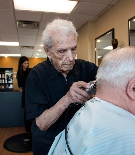Oudste kapper ter wereld overlijdt op 108-jarige leeftijd