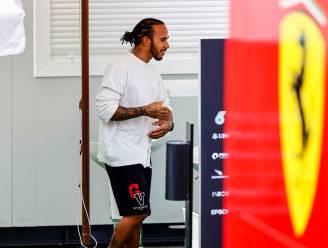 """Hamilton wordt nerveus en giftig nu Verstappen komt opzetten: """"Red Bull speelt vals, euh... maar zo bedoel ik het niet"""""""