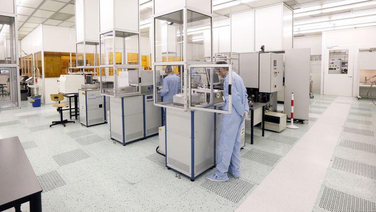 De cleanroom van het fotonica-laboratorium op de TU Eindhoven waar Agafonov werkte. Beeld ANP