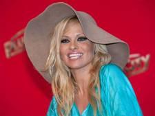 Pamela Anderson in melancholische bui nadat vijfde huwelijk al na 12 dagen strandt: 'Liefde is een risico'