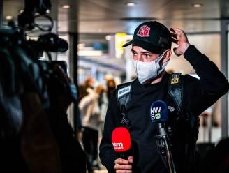 """Wout van Aert geland in Eindhoven: """"Spijtig van commotie rond Roglic. Ik zag vanop eerste rij dat ook hij kapot zat"""""""