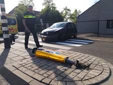 Automobilist knalt op paaltje in Nijmegen