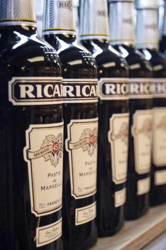 Er werden ook 5 flessen Ricard gestolen.