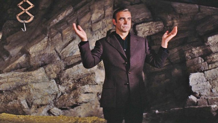 Sean Connery als James Bond in Diamonds Are Forever. Beeld null