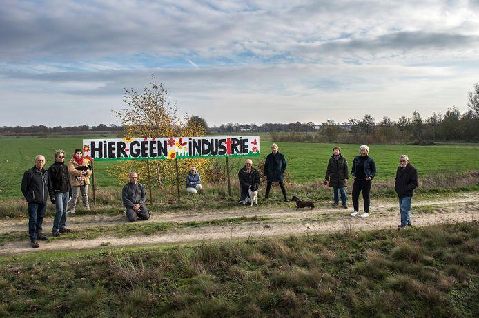 Het open landschap zou opgeofferd moeten worden voor bedrijventerrein, de bewoners van de Groenstraat zijn erg tegen.