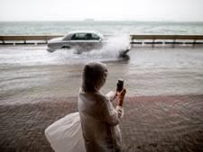 Drie doden door tyfoon in Hongkong