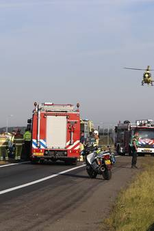Dode bij ongeluk met vrachtwagen op N50 Kampen-Zuid