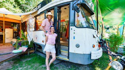 Nederlander Mark kocht een Belgische tram en toverde 'm om tot vakantiehuis: zo ziet dat eruit