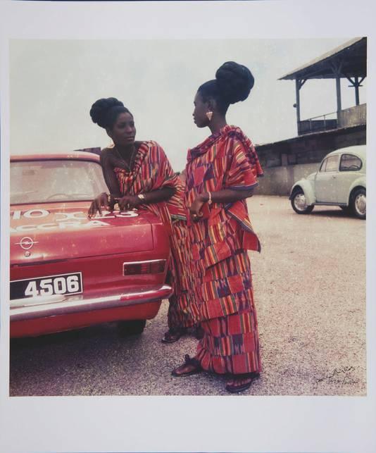 Fotograaf James Barnon gaf de traditionele 'kente'-doek een moderne en modieuze uitstraling.