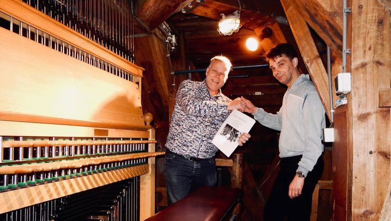 Links Boudewijn Zwart (beiaardier), rechts componist en beiaardier Mathieu Daniël Polak Beeld Erik Voermans