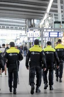 Utrecht op scherp na rellen elders in het land: 'Zie je ergens groepjes samenkomen? Meld het ons'