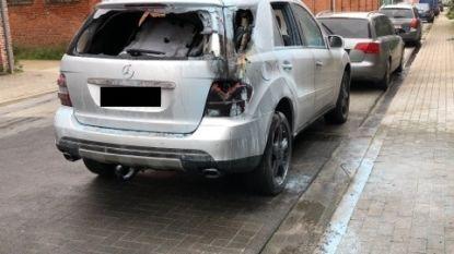 Wagen vat vuur na kortsluiting