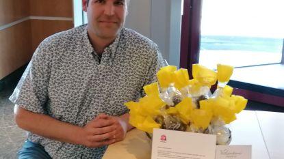 Vzw Deinze Winkelstad schenkt Deinse chocolade aan superhelden van AZ Sint-Vincentius