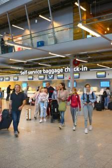 Opnieuw vluchten geannuleerd op Eindhoven Airport door staking verkeersleiders in Frankrijk, veel reizigers later op bestemming