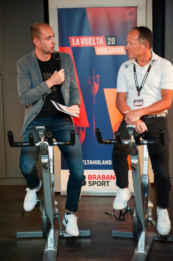 Oud-profwielrenner Stef Clement interviewt Mathieu Hermans tijdens het Vuelta Café in de Maaspoort in Den Bosch. Hermans was ambassadeur bij het naar Nederland halen van de Ronde van Spanje 2020.