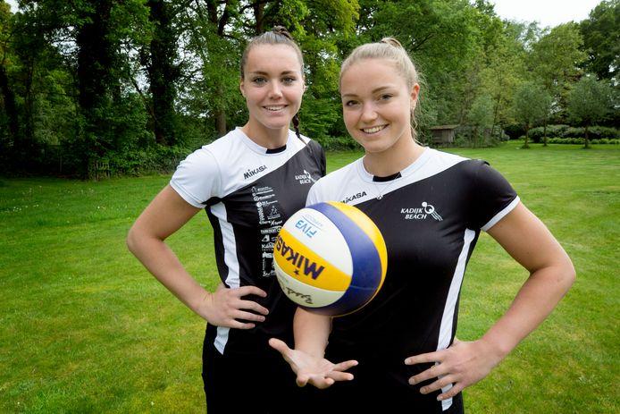 Emi en Mexime van Driel spelen komend weekend het eerste toernooiweekend van de Eredivisie Beachvolleybal in Breda.