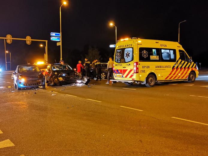 Twee voertuigen kwamen met elkaar in botsing.
