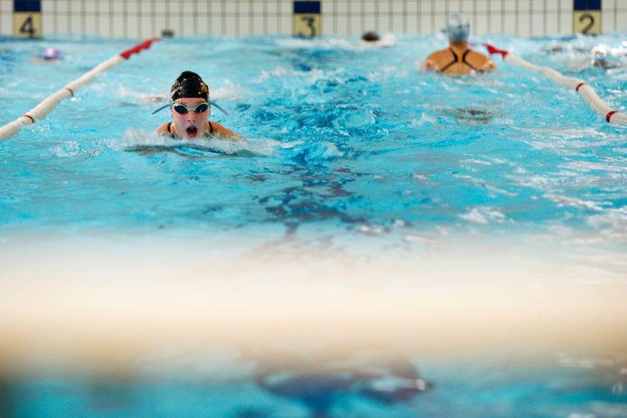 Het huidige zwembad De Gelenberg is voorbij zijn houdbaarheidsdatum. Er moet nieuwbouw verrijzen die deel uitmaakt van een totale herschikking van het sportcomplex.