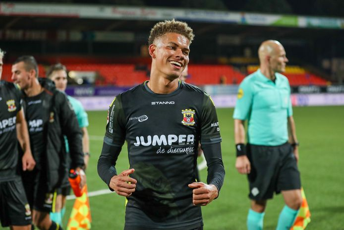 Julliani Eersteling debuteerde vrijdag voor Go Ahead Eagles, tot tevredenheid van O21 coach Boufarra.