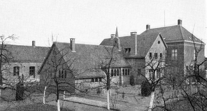 Oude klooster Sancta Maria op de plaats waar nu dorpshuis Het Kompas staat.