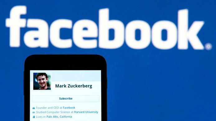 Het profiel van Facebook-topman Mark Zuckerberg op een mobiele telefoon