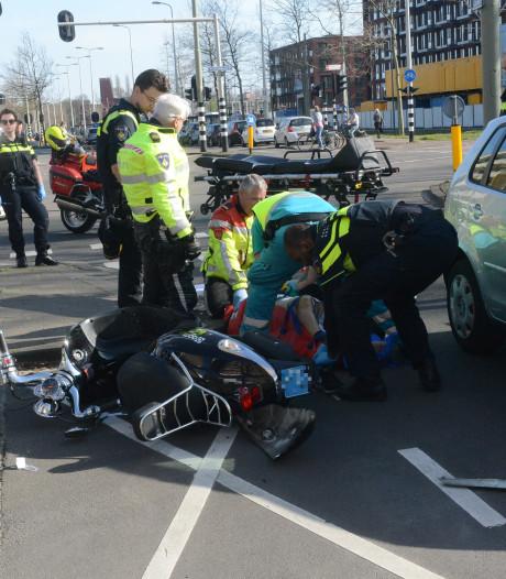 Scooterrijder zwaargewond bij aanrijding