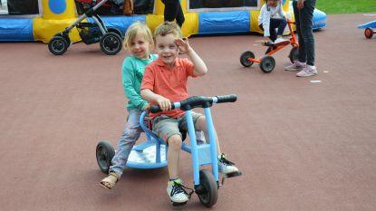 Atletiekpiste middelpunt van sport, spel en dans tijdens Buitenspeeldag voor kinderen