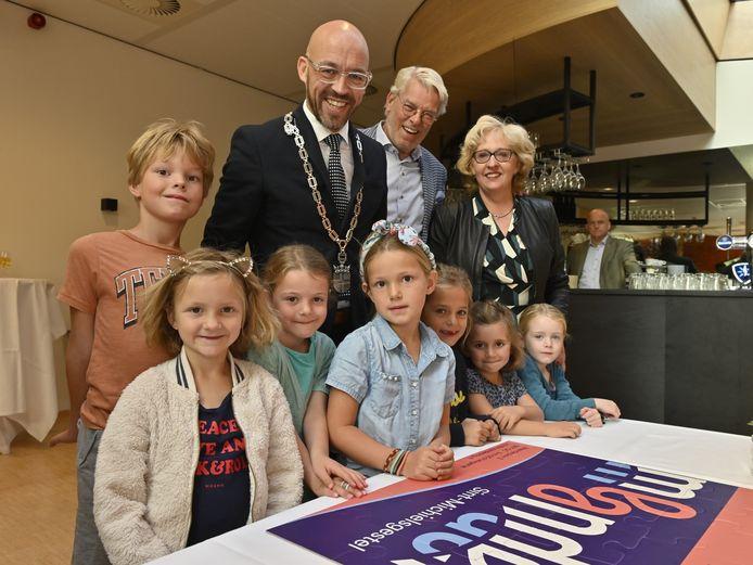 Dorpshuis Meander officieel geopend met Ontbijtfestival.