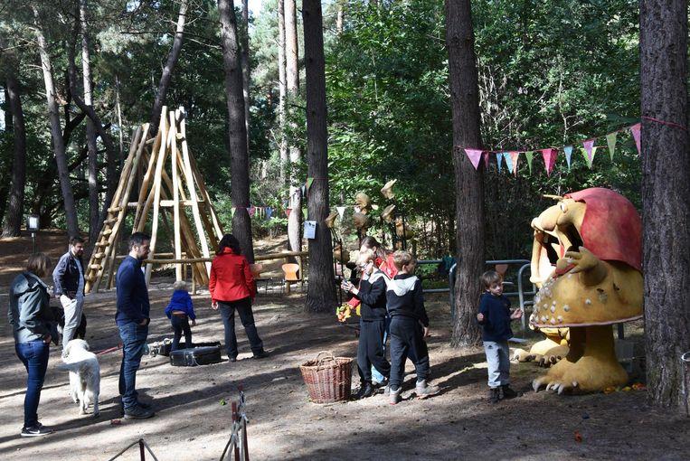 De nieuwe speeltuigen op het provincaal domein Hoge Mouw werden alvast uitgetest door de bezoekende kinderen.