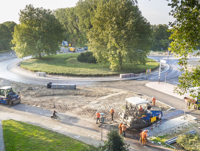 De rotonde gaat op 2 november weer open voor het verkeer.