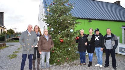 PROS verwelkomt Michel Follet en hangt kerst(wens)ballen op voor Zoë