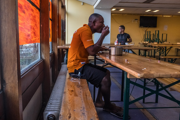 Opvang uitgeprocedeerde asielzoekers in Amsterdam