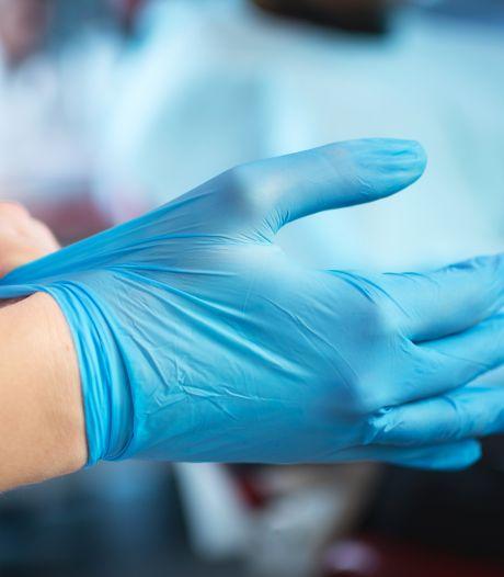 LIVE | Tekort aan handschoenen in zorg, meer vluchten naar China na druk VS