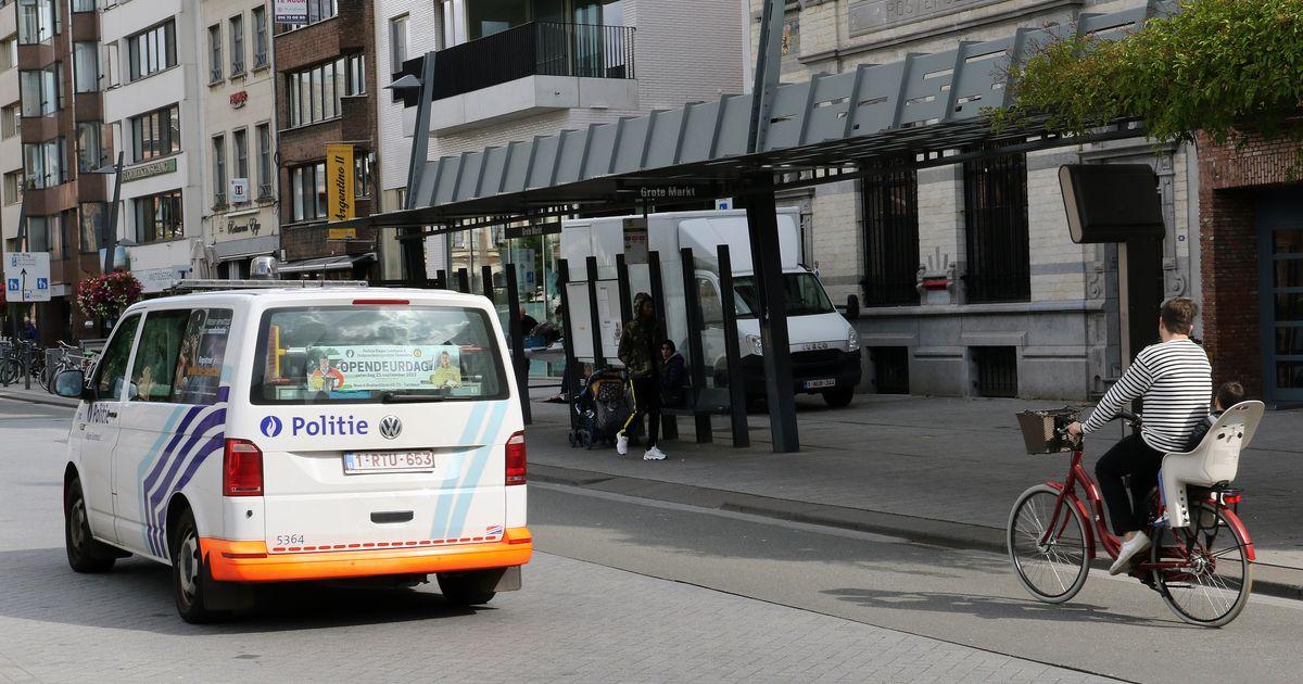"""""""Maar wat is dat dan, die #islamisering?"""" Wel, dit: #sharia-politie in #Turnhout."""