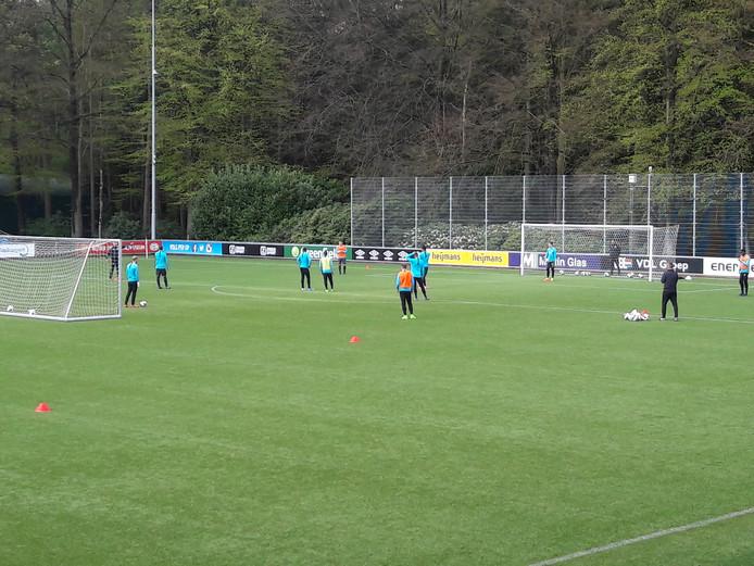 Jong PSV traint voor Achilles'29-uit, van vrijdagavond.