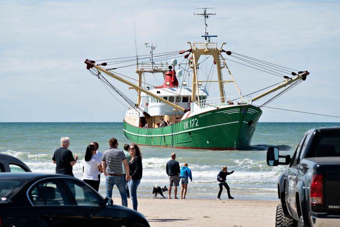 De kotter liep vlakbij het strand vast bij de Deense kustplaats Nørre Lyngby.