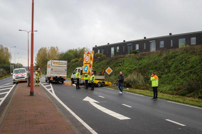 De situatie na de botsing op de rondweg bij Veenendaal.