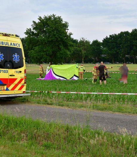 Paraglider overlijdt bij crash in Gelders maisveld