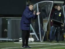 Minder voorspelbaar en minder doorzichtig, 100 Zwolle-coaches leggen PEC-trainer John Stegeman uit hoe het wél moet
