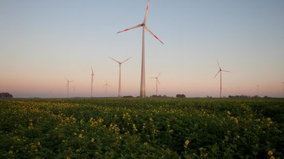 Aspiravi start met bouw twee windturbines langs E314
