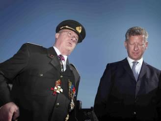 """De Crem weigerde ontslag chef Defensie Delcour"""