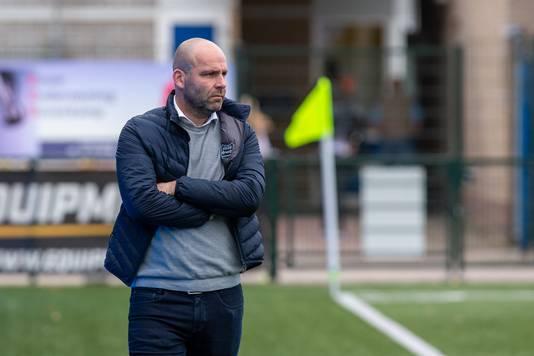 GVVV-trainer Jochem Twisker is bij GVVV nog zoekende naar de juiste speelwijze.